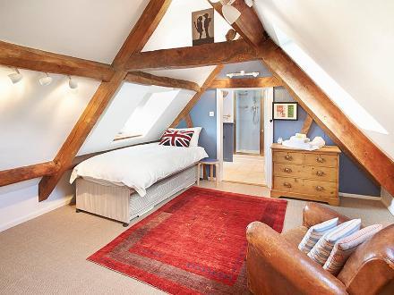 rr bedroom