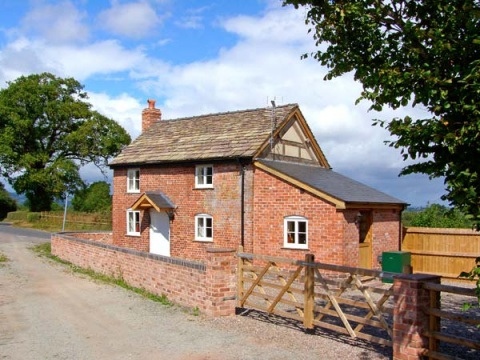 Point Cottage, Preston-on-Wye, Herefordshire – Sykes Cottages