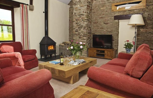 The Linhay, Nr Dartmouth, Devon – Coast and Country Cottages