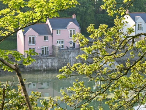 Curlew, Black Bridge, nr Milford Haven, South Wales & Pembrokeshire – Sykes Cottages