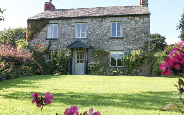 Figtree Farmhouse, Nr Lupton, Lake District – Unique Home Stays