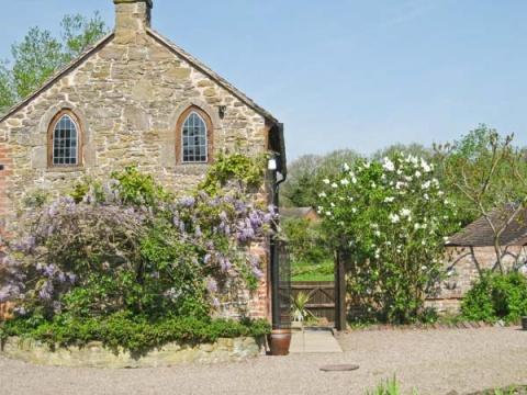 Cedars Mount Cottage, Felhampton, Shropshire – SykesCottages