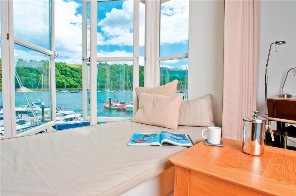 Coast and Country Cottages: 14 Dart Marina, Dartmouth, Devon