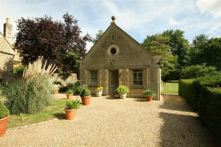 Manor Cottage - Garden Cottage, Black Bourton, Burford