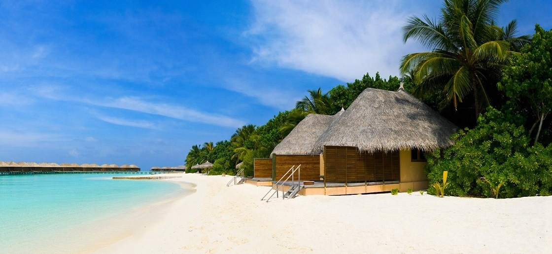 2 Perfect Tropical Islands for an Exotic HolidayRetreat